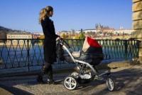 Молодые питерские мамы общаются на форумах, пока дети спят